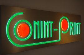Világító cégtábla, világító felirat